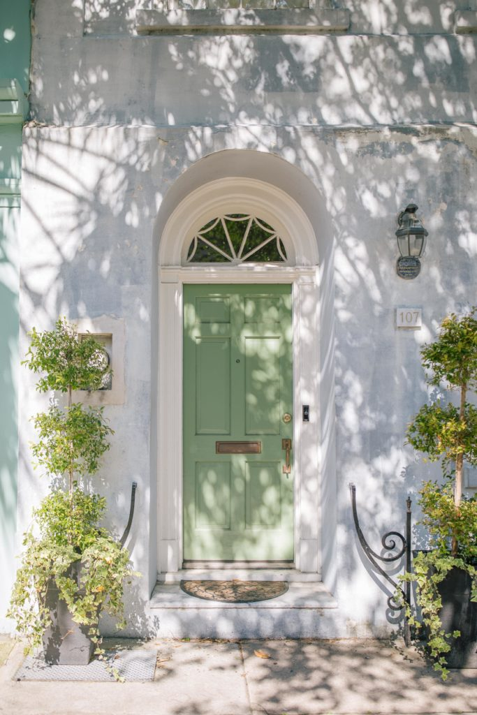 Charleston Curb Appeal + Weekend Reads, No. 127 | Rhyme & Reason
