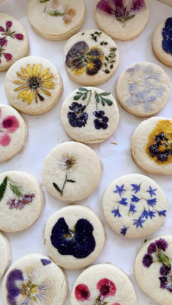 The best bakers for pressed floral cookies | Rhyme & Reason