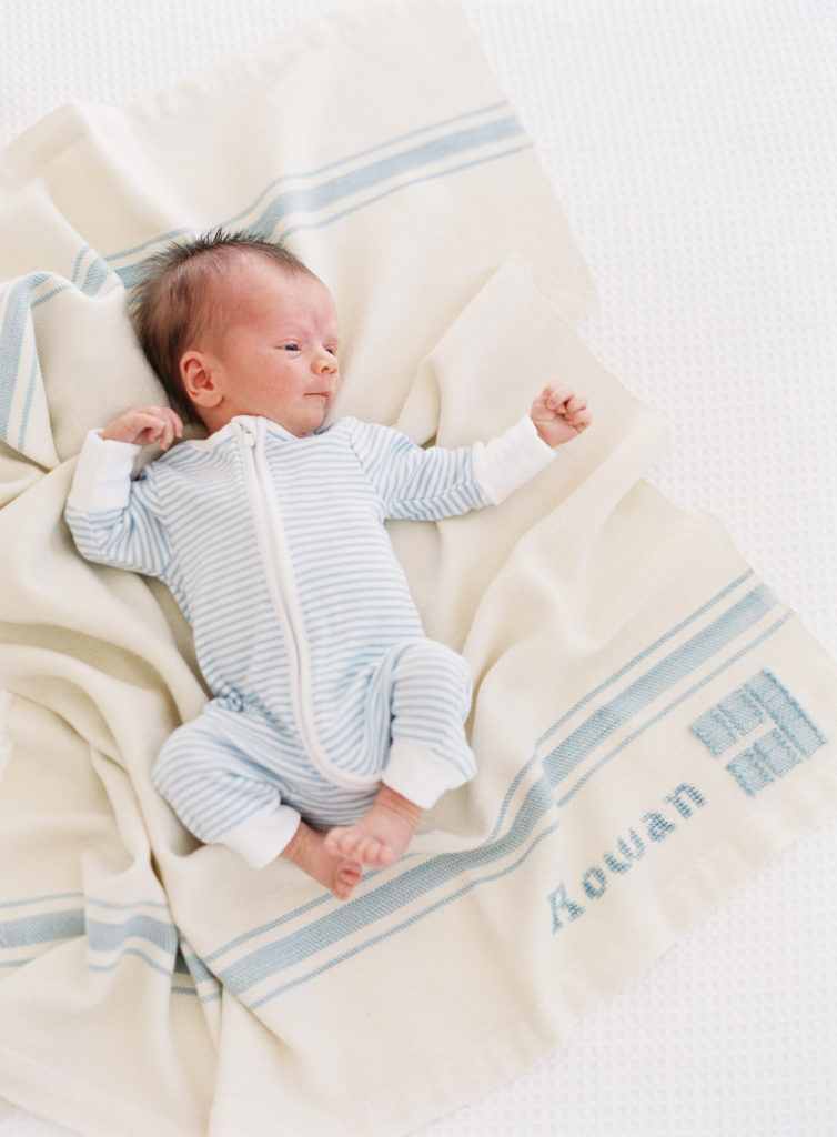 What to dress your baby in for newborn photos | Rhyme & Reason