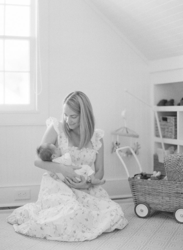 how to take newborn photos at home | Rhyme & Reason