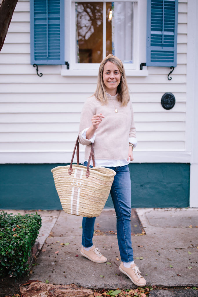 Hand painted totes to love for fall | Weekend Reads No.144