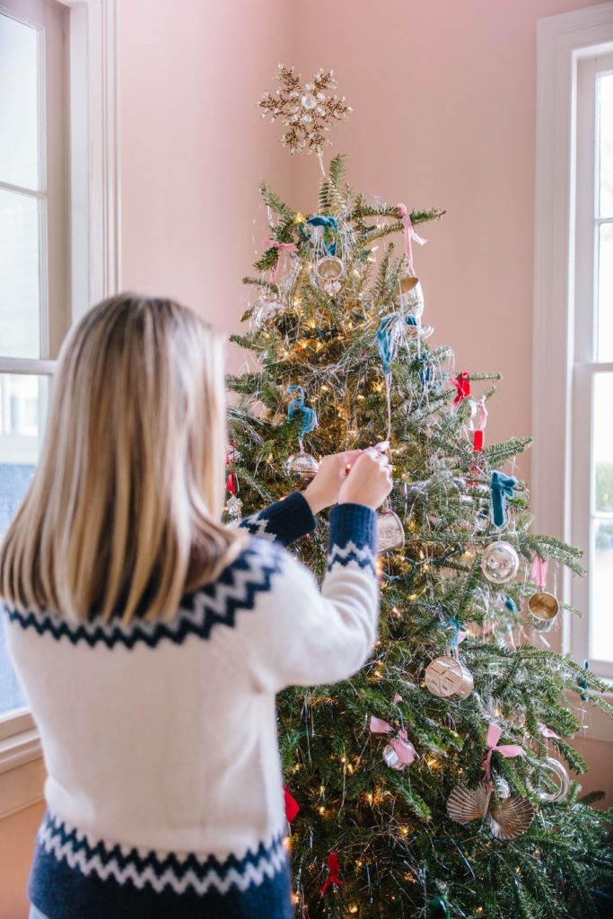 Jillian Eversole shares her Christmas tree decorated with tinsel and silver ornaments | Rhyme & Reason