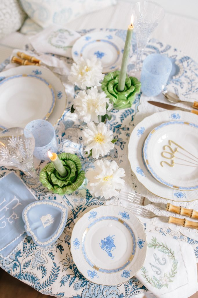 Blue and white tablescape ideas | Rhyme & Reason
