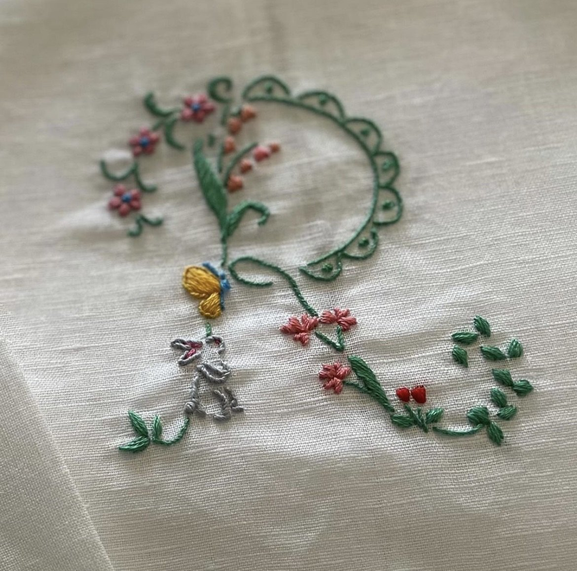 Hibiscus Linens x Riley Sheehey Valentine's Embroidery Class