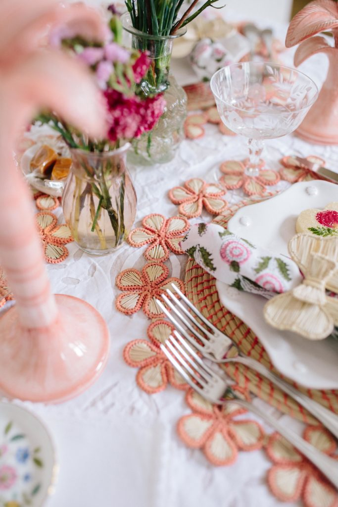 Pink and coral tablescape ideas for spring | Fresh Ways To Dress Up Your Spring Tablescapes