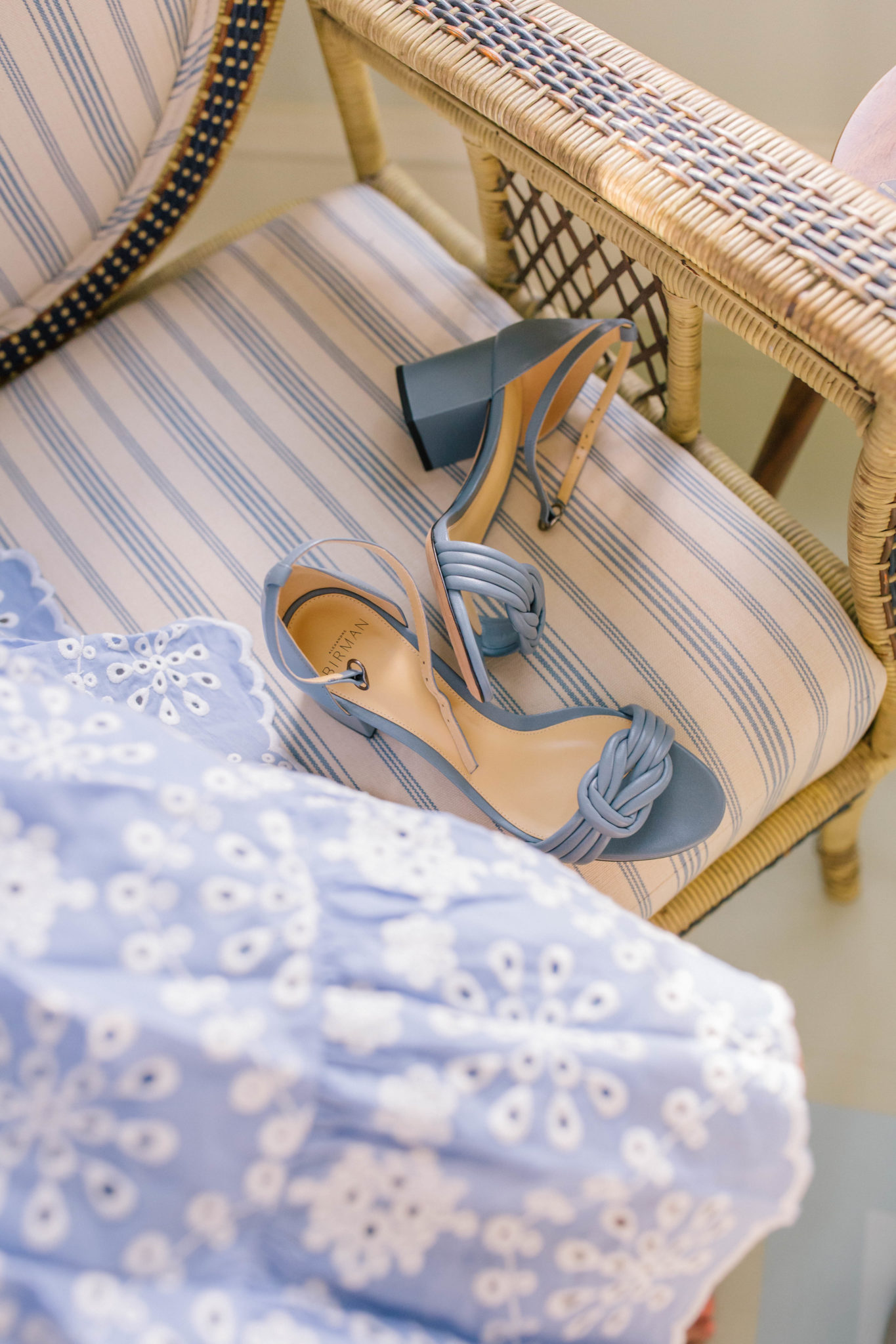 The best summer sandals to wear to weddings | Rhyme & Reason