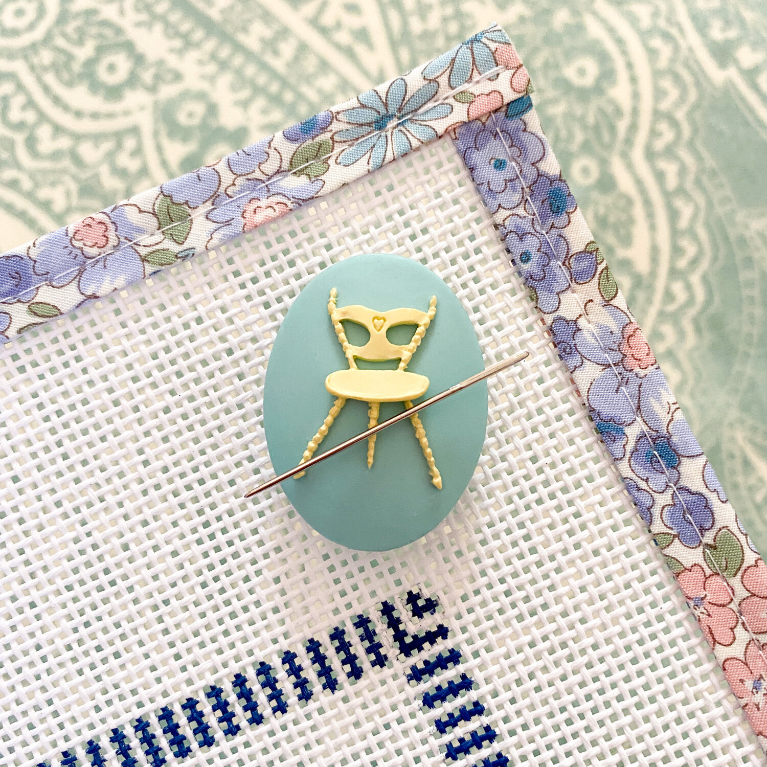 Le Point Studio Chair Needle Minder   Caught My Eye No.3